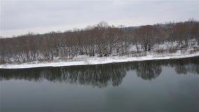 Zangão que descola da costa do rio filme