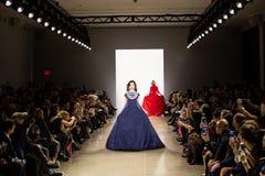 Zang Toi FW19 landningsbanashow som delen av där New York Fashion Week royaltyfri bild