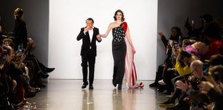 Zang Toi FW19 landningsbanashow som delen av där New York Fashion Week arkivfoto