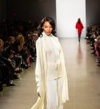 Zang Toi FW19 landningsbanashow som delen av där New York Fashion Week arkivbild
