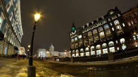 Zanger House en Kazan kathedraal in Heilige Petersburg stock videobeelden