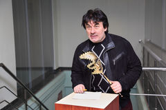 Zanger A.Serov bij Venetiaanse kostuummaskerade Stock Foto