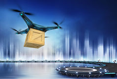 Zangão com voo da caixa de madeira sobre o heliporto Foto de Stock Royalty Free