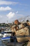 Zaniechana łódź Przy Starym statku Junkyard Na Sava rzece S - Belgrade - Obraz Royalty Free