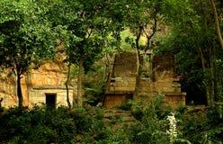 Zaniechana świątynia w sittanavasal jamy świątyni kompleksie Fotografia Royalty Free