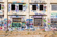 Zaniechana elektrownia: Młodości wyrażenie Obrazy Stock
