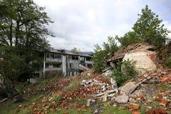 Zaniechana g?rnicza wioska, niszcz?ca podczas Abkhaz wojny w 1992 obraz stock