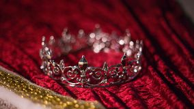 Zaniechana królewiątko korona, kontusz i zdjęcie royalty free
