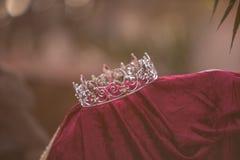 Zaniechana królewiątko korona, kontusz i fotografia royalty free