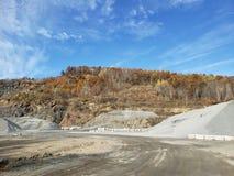 Zaniechana plenerowa kopalnia zdjęcie stock