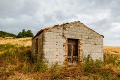 Zaniechana pustynia domu powierzchowność Zdjęcie Stock