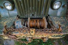 Zaniechana stara ośniedziała ciężarówka fotografia royalty free