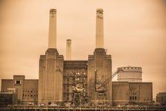 Zaniechana wykolejena Battersea elektrownia Zdjęcie Stock
