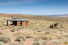 Zaniechane budy zbliżają Uroczystego jaru parka narodowego, Arizona, usa obraz royalty free