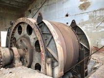 Zaniechane metal budowy solankowa kopalnia Ośniedziały metal, luźna cegła obraz royalty free
