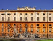 zaniechanego pałac królewski czas Zdjęcia Stock