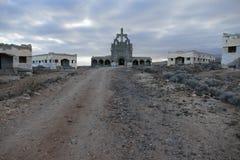 Zaniechani budynki Militarna baza w Tenerife wyspach kanaryjska zdjęcia stock