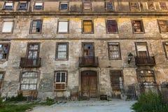 Zaniechani budynki w starej części Porto Obrazy Royalty Free
