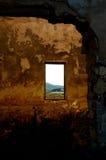 zaniechani fabryczni izbowi okno fotografia royalty free