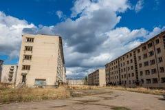 zaniechani militarni budynki w mieście Skrunda w Latvia zdjęcie stock