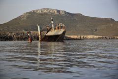Zaniechany łamający statku wrak Zdjęcie Stock