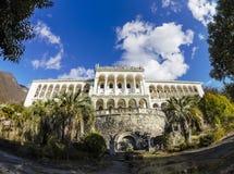 Zaniechany abordażu dom Gagripsh w Gagra, Abkhazia Obrazy Stock