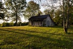 Zaniechany dom w Opóźnionym wieczór - Kentucky Fotografia Stock
