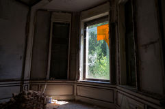 Zaniechany dworu okno zdjęcie stock