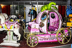 Zaniechany fantazi carousel w starym boisku Obraz Royalty Free