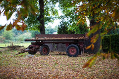 Zaniechany furgon w spadek naturze Zdjęcia Stock