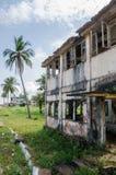 Zaniechany i fading dom w Robertsport, ślada cywilna wojna, Liberia, afryka zachodnia Zdjęcie Stock