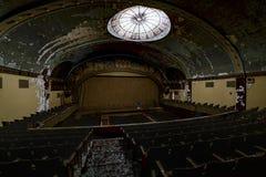 Zaniechany i Historyczny Irem Świątynny teatr dla Shriners - Barre, Pennsylwania zdjęcie stock