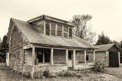 Zaniechany i Obdrapany dom Obraz Stock