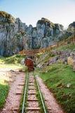 Zaniechany kopalnia pociągu ślad obraz royalty free