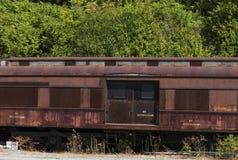 Zaniechany linia kolejowa samochód osobowy zdjęcie royalty free