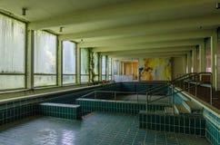 zaniechany opróżnia basenu dopłynięcie zdjęcie stock