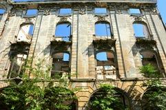 Zaniechany opustoszały dom, obraz royalty free