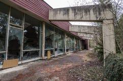 zaniechany pływacki basen outside zdjęcie stock