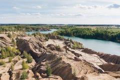Zaniechany piaska łup błękitny jezioro Fotografia Royalty Free