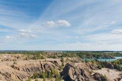 Zaniechany piaska łup błękitny jezioro Zdjęcia Stock