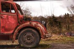 Zaniechany samochód strażacki w Belgia miasteczku Obraz Stock
