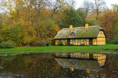 Zaniechany stary cembrujący dom w Charlottenlund zdjęcia royalty free