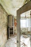 Zaniechany wnętrze w ruinach militarna ugoda Zdjęcia Royalty Free