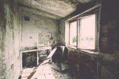 Zaniechany wnętrze w ruinach militarna ugoda - rocznika eff Zdjęcie Stock