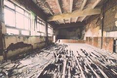 Zaniechany wnętrze w ruinach militarna ugoda - rocznika eff Zdjęcia Royalty Free