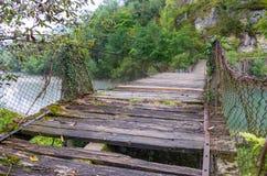 Zaniechany zawieszenie most przy Slovenia i Chorwacja graniczymy fotografia stock