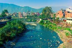Zanieczyszczający rzeczny Bishnumati w Kathmandu obrazy royalty free