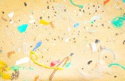 Zanieczyszczenia pojęcie z plastikowymi kawałkami Zdjęcie Stock