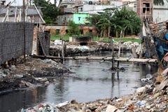Zanieczyszczenia przy Hazaribagh garbarnią Bangladesz Zdjęcia Stock