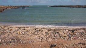 Zanieczyszczenie na plaży zdjęcie wideo